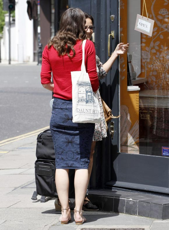 keira-knightley-outfits-2014-02