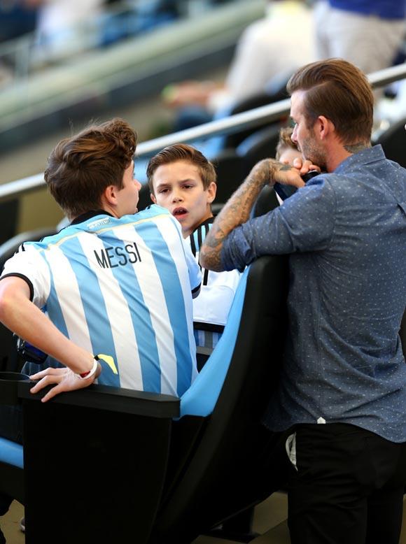 David-Beckham-sons-2014-FIFA-03