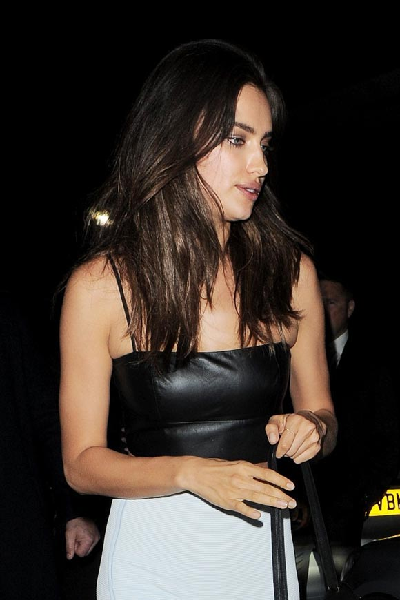 Irina-Shayk-crop top-outfit-2014-03