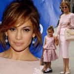 ジェニファー・ロペス、かわいいピンク親子★娘エメちゃんとイベントに出席