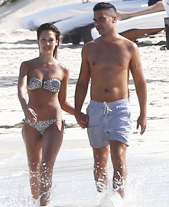 jessica-alba-cash-warren-bikini-2014-02