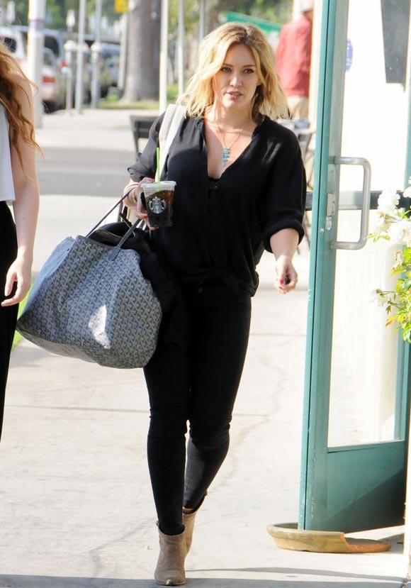 Hilary-Duff-outfit-2014-01