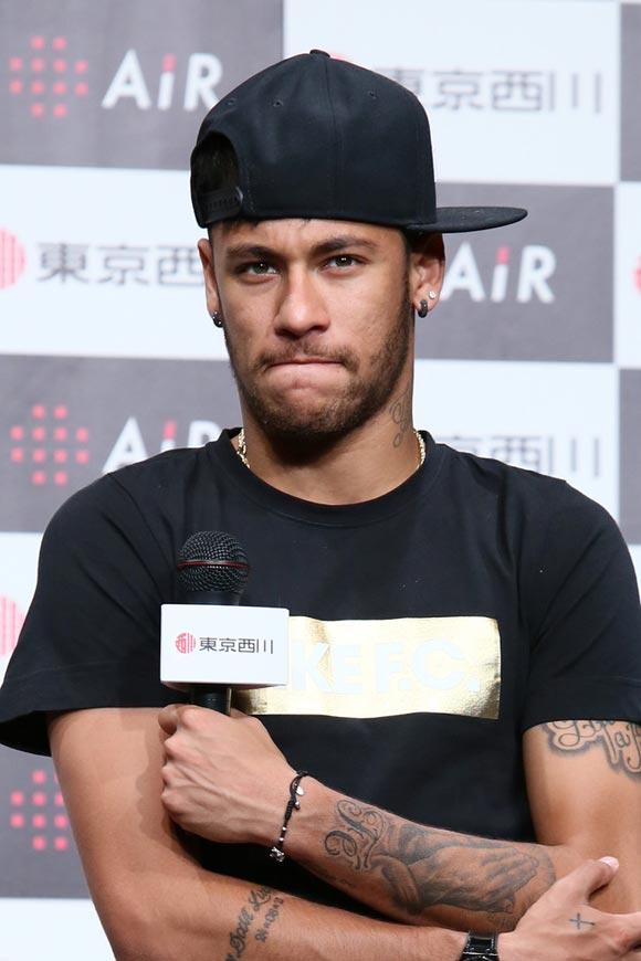 Neymar-japan-2014-04
