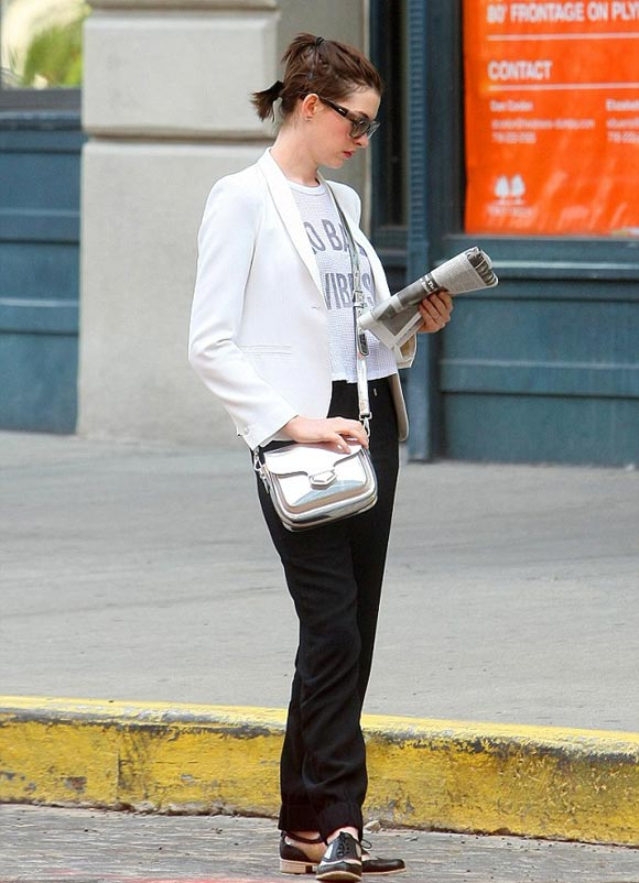 anne-hathaway-outfit-2014-05