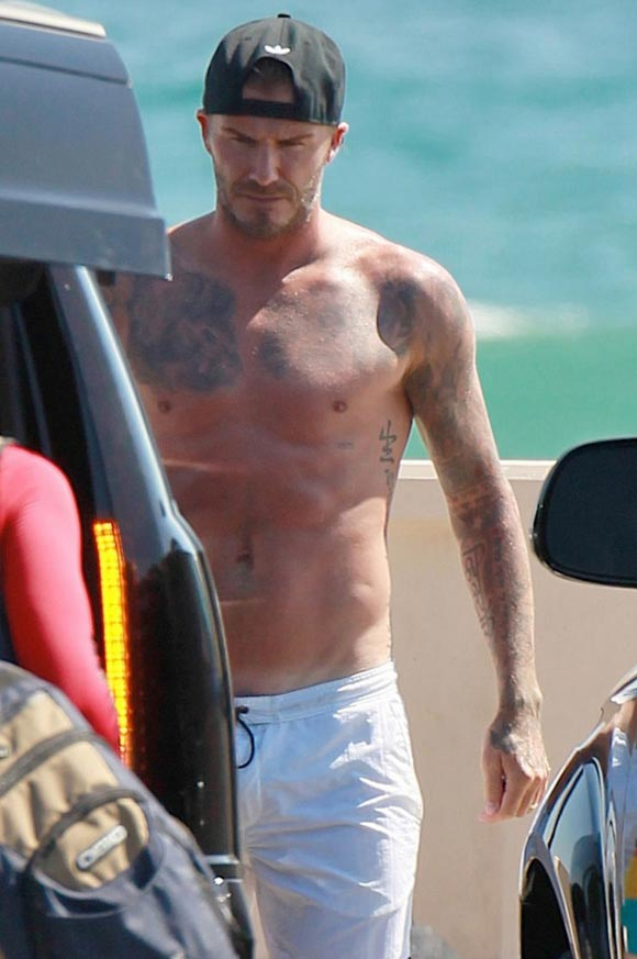 david-beckham-shirtless-sons-2014-04