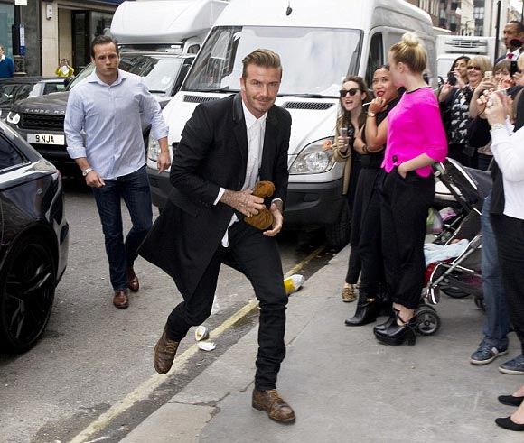 David-Beckham -Victoria- shop-launch-2014