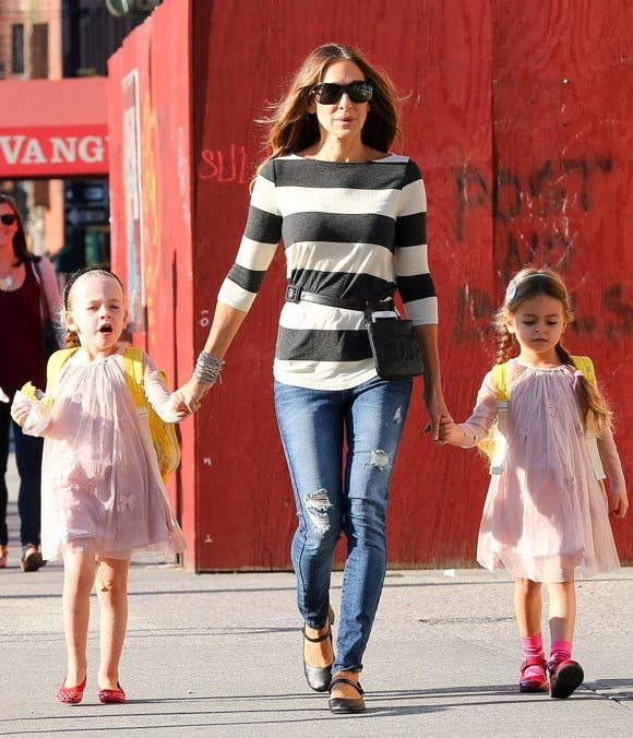 Sarah-Jessica-Parker-Daughters-2014-03