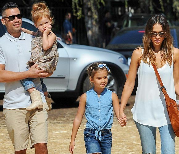 Jessica-Alba-Cash-Warren-Daughter-2014