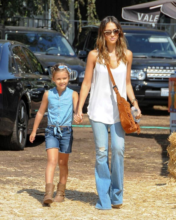 Jessica-Alba-Daughter-2014