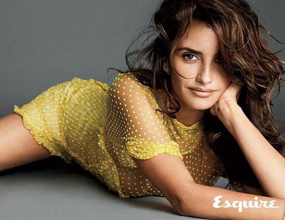 Penelope-Cruz- Sexiest-Woman Alive-Esquire-2014-06