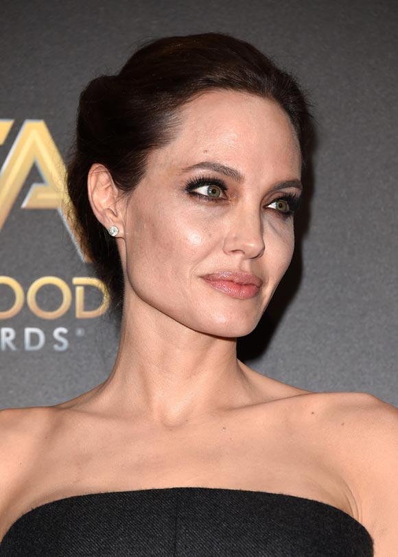 Angelina-Jolie-Hollywood-Film-2014-04