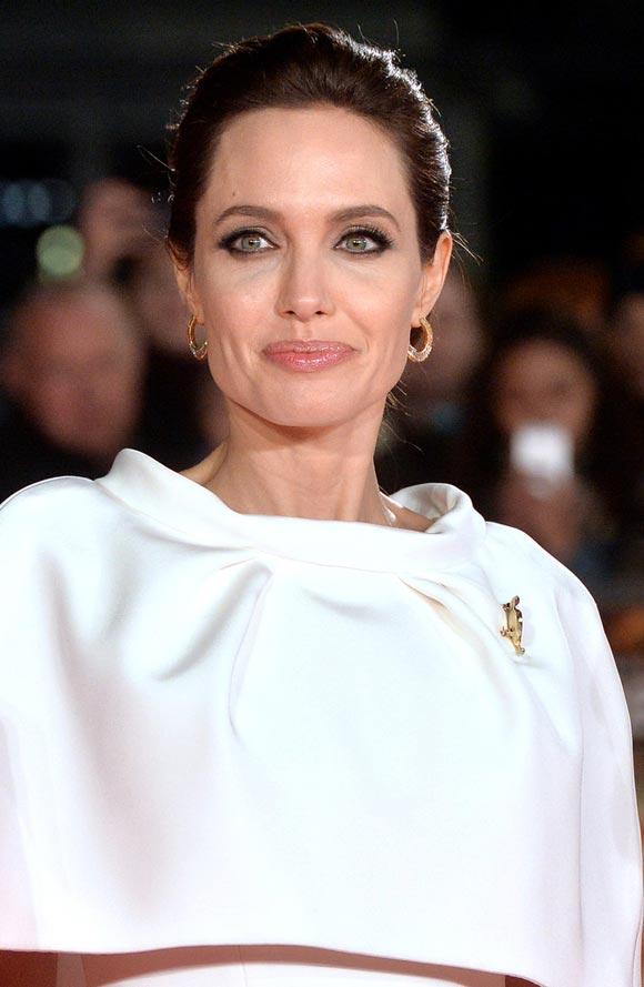 Angelina-Jolie-Unbroken-Premieres-UK-2014-04