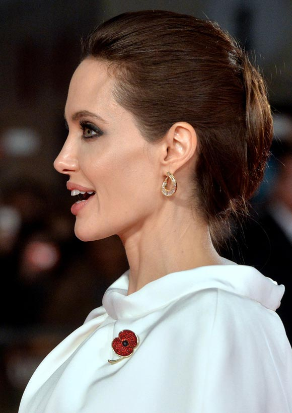 Angelina-Jolie-Unbroken-Premieres-UK-2014-05