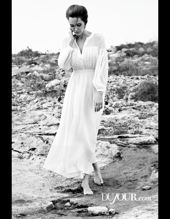 Angelina-Jolie_-DuJour-Magazine-2014-03