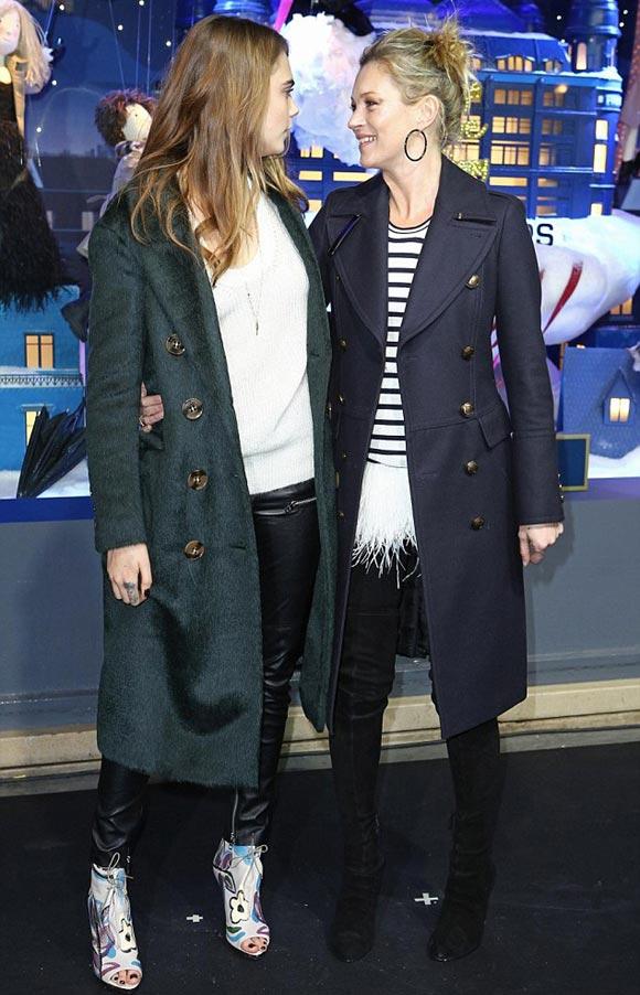Kate-Moss-Cara-DelevingnePrintemps-xmas-2014-02