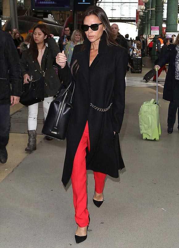 Victoria-Beckham-fashion-nov-2014-02
