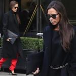 ヴィクトリア・ベッカム、ブラックコート×赤パンツでショッピング #Victoria Beckham #ファッション