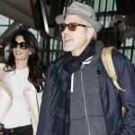 ジョージ・クルーニー&アマル・アラムディン、新婚ホヤホヤのカップル!ツーショットで空港に登場