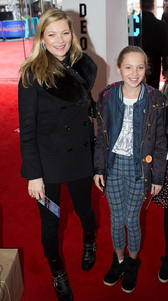 kate-moss-daughter-Paddington-2014-01