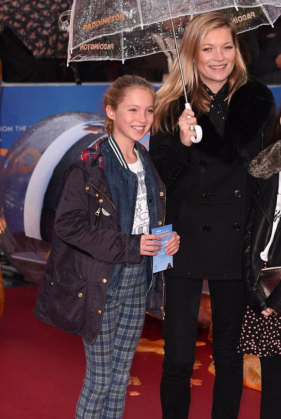 kate-moss-daughter-Paddington-2014-03