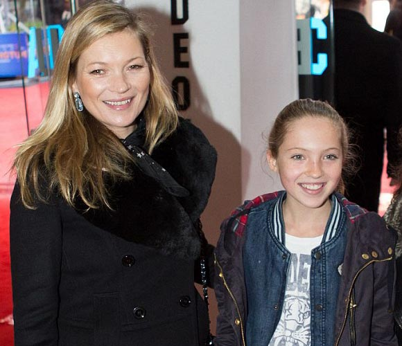 kate-moss-daughter-Paddington-2014