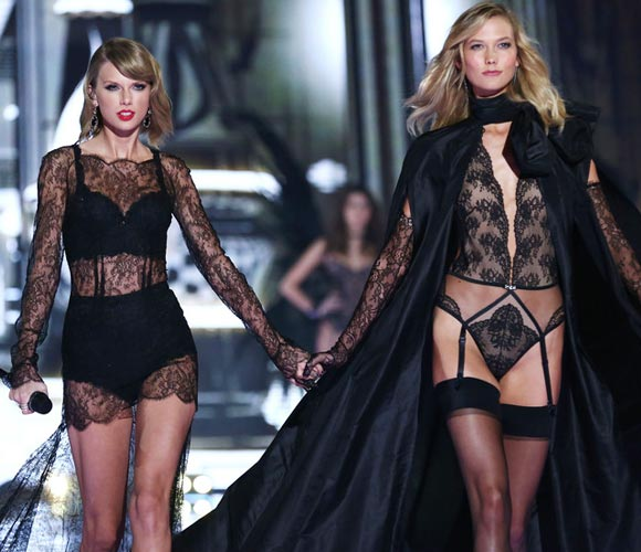 Taylor-Swift-Karlie -KlossVictorias-Secret-fashion-show-2014