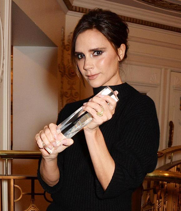 victoria-beckham-2014-british-fashion-awards-Brand-of-the-Year