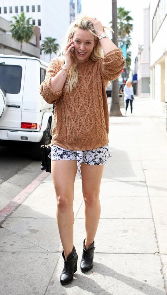 Hilary-Duff-fashion-outfits-2015-02