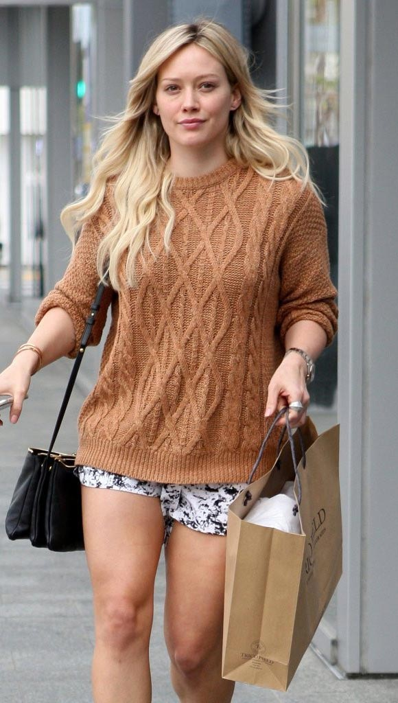 Hilary-Duff-fashion-outfits-2015-03