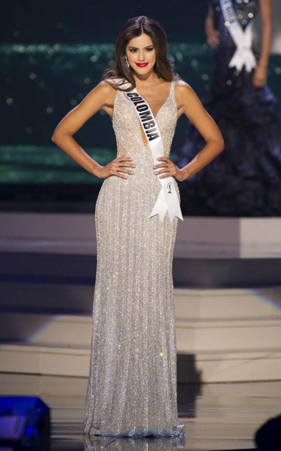 Paulina-Vega-Colombia-Miss-Universe-2015-01