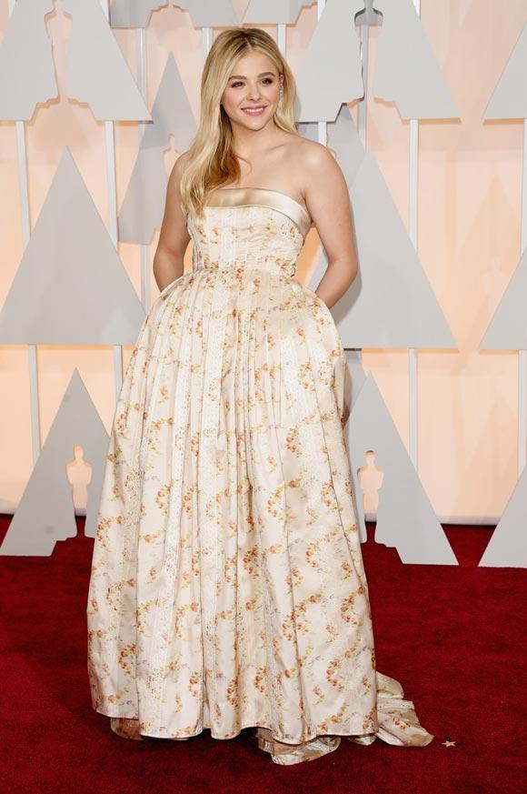 2Chloe-Grace-Moretz- Academy-Awards-2015-01
