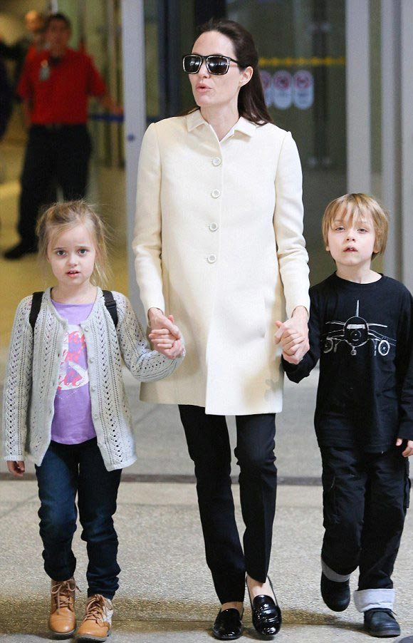 Angelina-Jolie-children-Vivienne-Knox-2015-02
