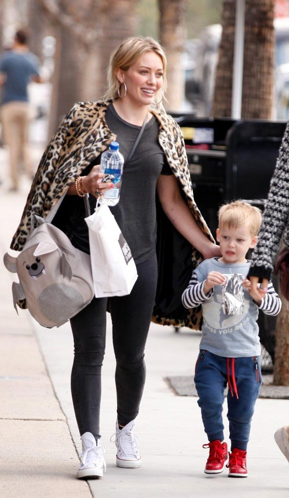 Hilary-Duff-outfits-luca-2015-01