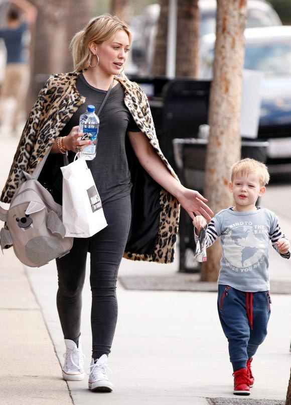 Hilary-Duff-outfits-luca-2015-02