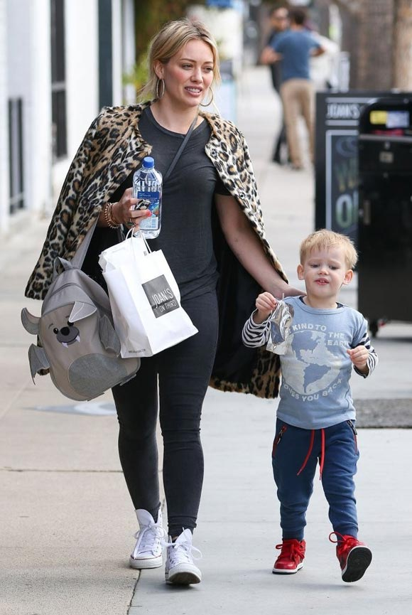 Hilary-Duff-outfits-luca-2015-03