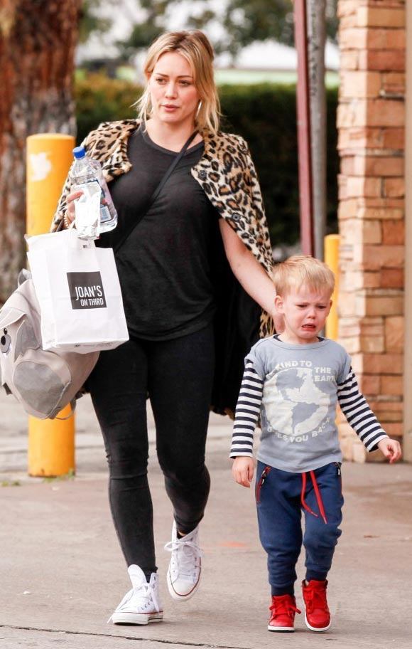 Hilary-Duff-outfits-luca-2015-04