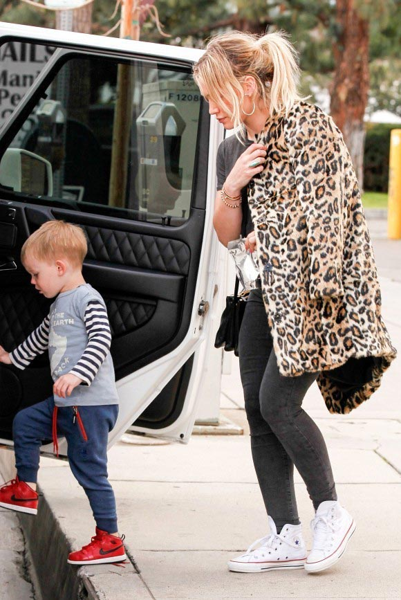 Hilary-Duff-outfits-luca-2015-05