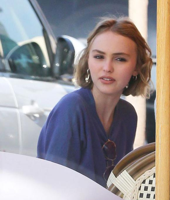 Johnny-Depp-daughter-lily-feb-2015-03