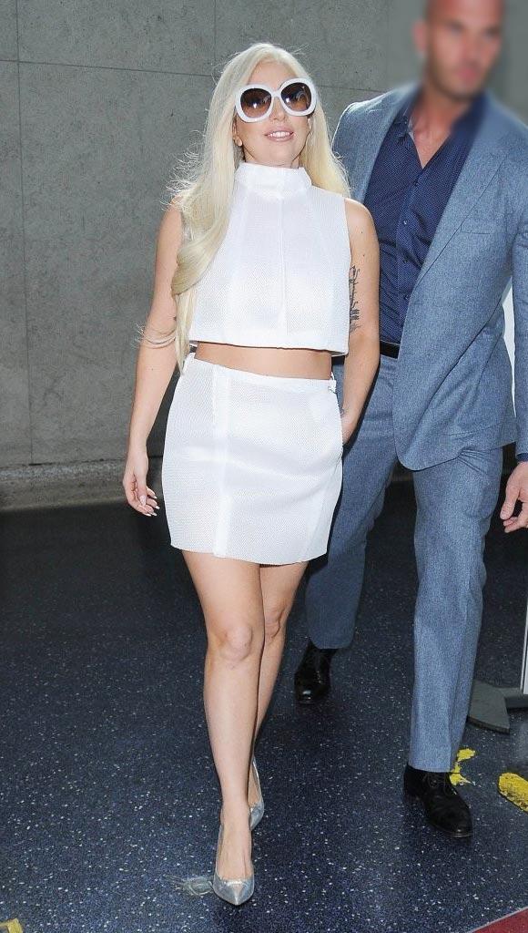 Lady-Gaga-Engagement-feb-2015-01