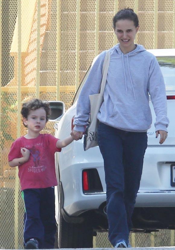 Natalie-Portman-son-Aleph-feb-2015-01
