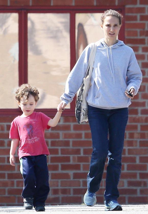 Natalie-Portman-son-Aleph-feb-2015-02
