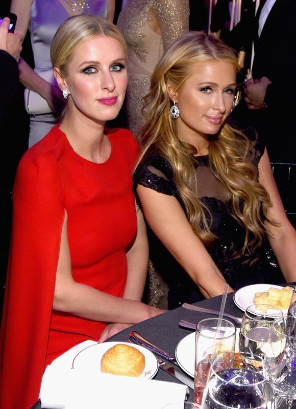 Paris-Hilton-Nicky-Hilton-mfAR-Gala-2015-03