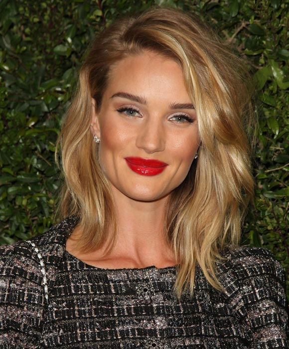 Rosie-Huntington-Whiteley-Medium-Hair-bobs-2015-04