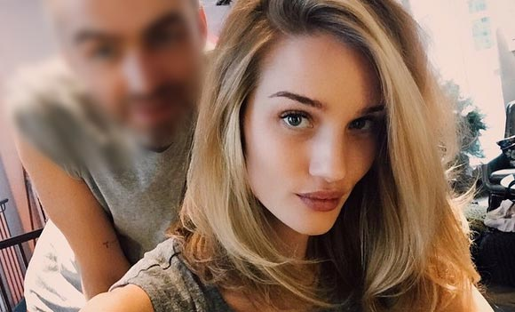Rosie-Huntington-Whiteley-Medium-Hair-bobs-2015-07