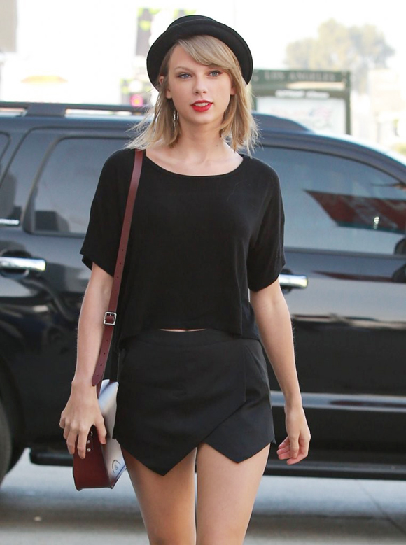 Taylor-Swift-fashion-outfits-2015-02