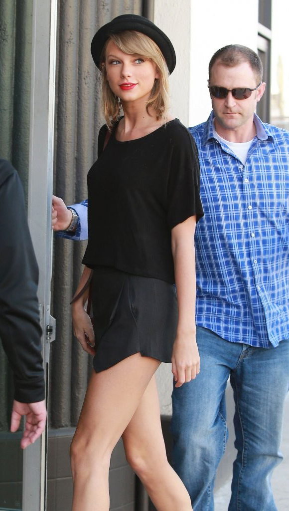Taylor-Swift-fashion-outfits-2015-03