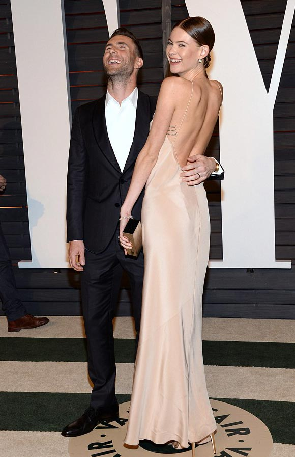 adam-levine-behati-prinsloos-oscars-party-2015-02