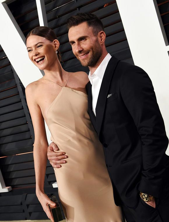 adam-levine-behati-prinsloos-oscars-party-2015-04