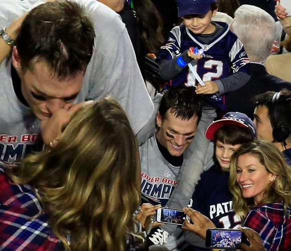 gisele-bundchen-tom-brady-super-bowl-win-2015