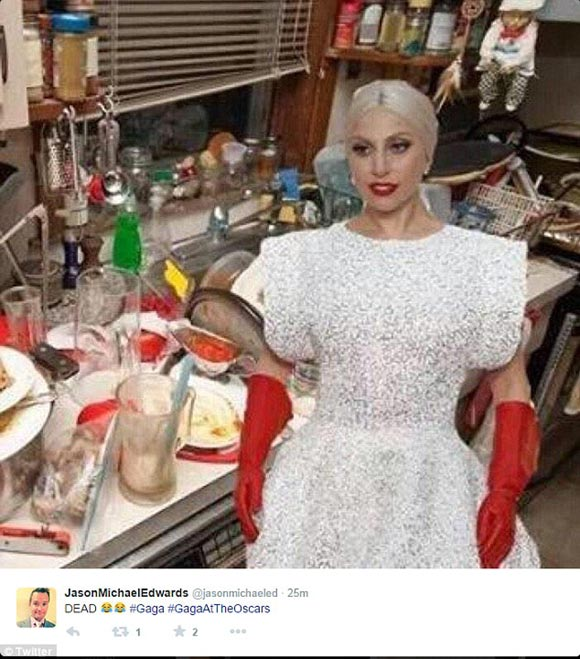 lady-gaga- red-gloves-parody-Academy-Awards-2015-02